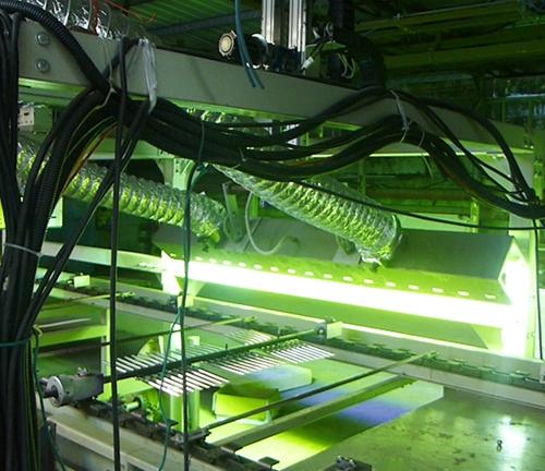 笔杆UV固化自动喷涂线
